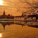 Császár lett a lebénult gyerekből: a Hévízi-tó legendái
