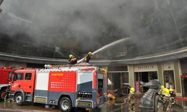 18-an meghaltak, amikor tűz ütött ki egy kínai bárban