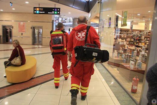 Egy mentős és egy tűzoltó barátsága mentett meg egy férfit