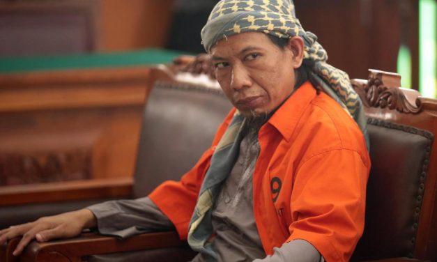 Halálra ítéltek Indonéziában egy iszlamista hitszónokot terrorizmus miatt