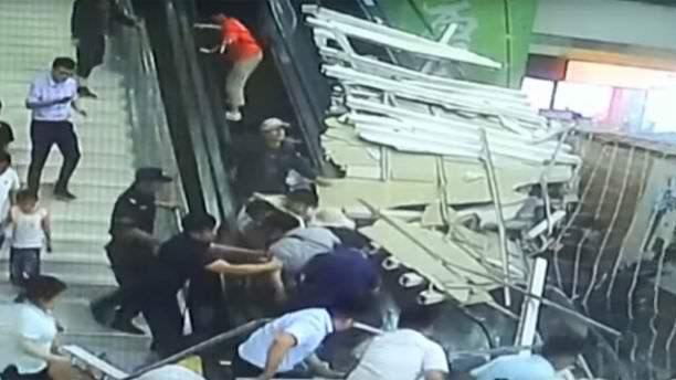 Horror a turistaparadicsomban: turistákra zuhant a mennyezet