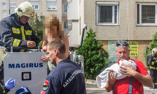 Hatalmas erőkkel vonultak ki a tűzoltók és a mentők egy lakástűzhöz, amelyben a Martinovics utca 15-ös ház, második emeleti lakása gyulladt ki.