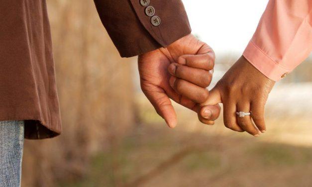 Tíz év után tudta meg, hogy felesége nem 30, hanem 50 éves