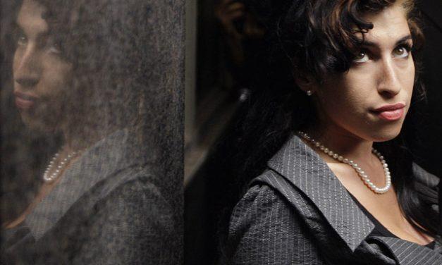 Hologrammal keltik életre a fiatalon meghalt énekesnőt