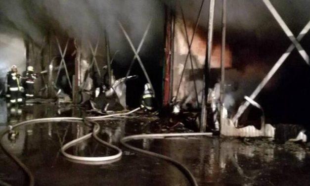 Tűz ütött ki egy faipari üzem raktárában Bérbaltaváron