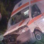 Részegen, pácienssel a járműben balesetezett a mentősofőr