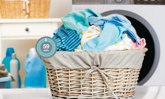 A megfelelő mosás titka: ezt jelentik a különböző cetlik a ruhákon