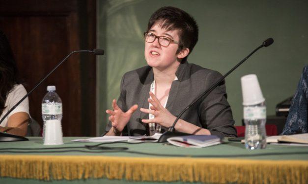 Terroristák lőttek le egy fiatal újságírónőt Észak-Írországban