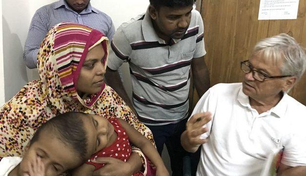 Magyar orvos vezeti majd a bangladesi ikrek szétválasztó műtétjét