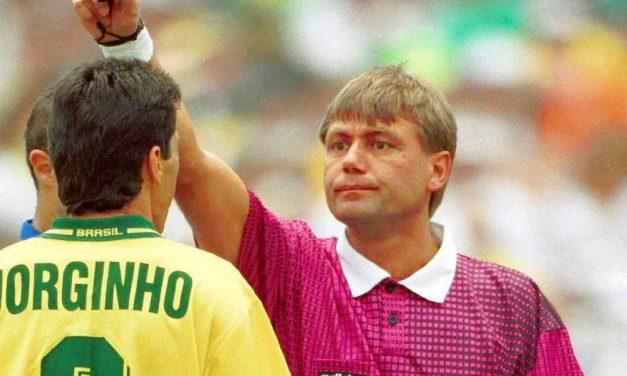 Napra pontosan 25 évvel ezelőtt fújta Puhl Sándor a vb-döntőt