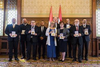 Díjátadó az Országházban: a Szent István-i mű az a küldetés, hogy építsük az országot