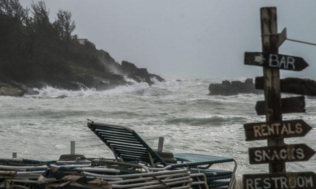 Hurrikán közelít a Bermuda-szigetekhez