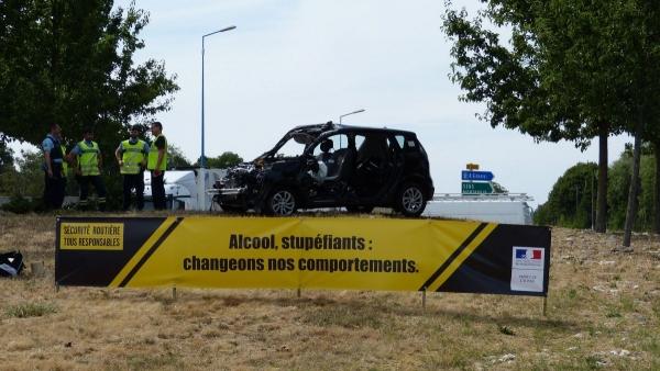 Roncsautókkal a balesetek ellen