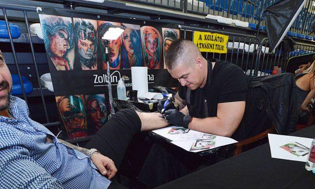 Az újszülöttosztálynak gyűjtöttek a tetoválófesztiválon