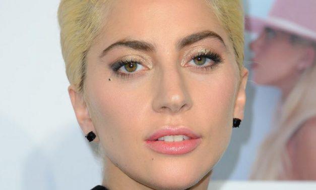 Mégiscsak nagyobb volt az az esés: az egész testét megvizsgálták Lady Gaganak – fotó