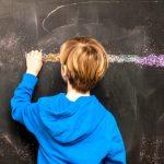 Ő az új Albert Einstein? Ez a kisfiú még csak 9 éves, de már diplomázik!