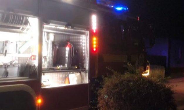 Elektromos tűzhöz riasztották tegnap a tűzoltókat a Honvéd utcába – Egy időre több ház áram nélkül maradt