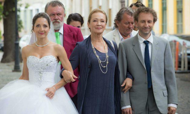 Erdélyi Tímea szép volt a menyasszonyi ruhában – A mi kis bakinkba is így került be