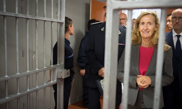300 veszélyes terroristát engednek hamarosan szabadon Franciaországban