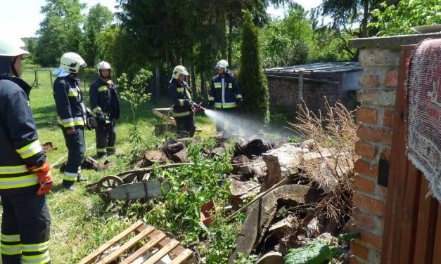 Toronyi családi ház udvarában keletkezett tűz csütörtökön