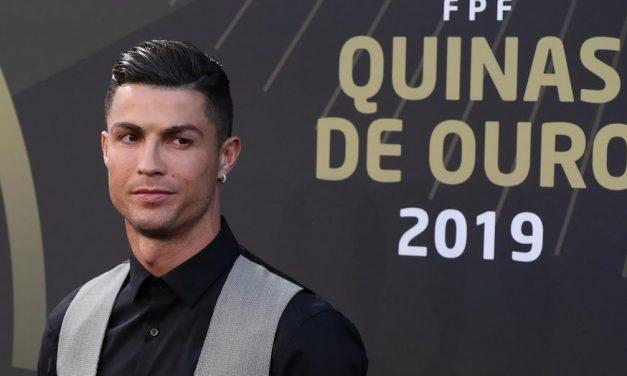 Izmos kockahas: Cristiano Ronaldo napozós képétől még inkább melegünk lesz -fotó