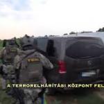 Így csaptak le a terrorelhárítás kommandósai a veszélyes férfira Egyeken – videó