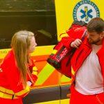Erre még a mentősök sem voltak felkészülve: limbó hintó életmentéskor