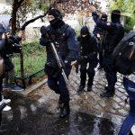A Charlie Hebdón akart bosszút állni a Párizsban húsbárddal támadó iszlamista terrorista