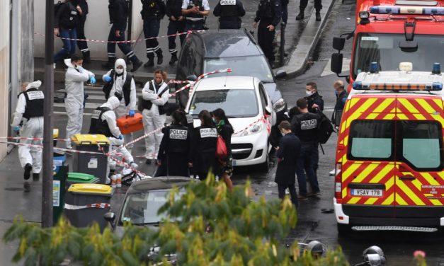 Fel akarta gyújtani a Charlie Hebdo szerkesztőségét a húsbárddal támadó terrorista
