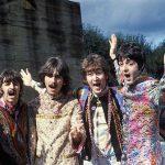 Dedikált kislemez és iskolai beírás is kalapács alá kerül a szeptember végi Beatles-árverésen