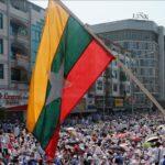 Felgyújtott egy falut a hadsereg Mianmarban