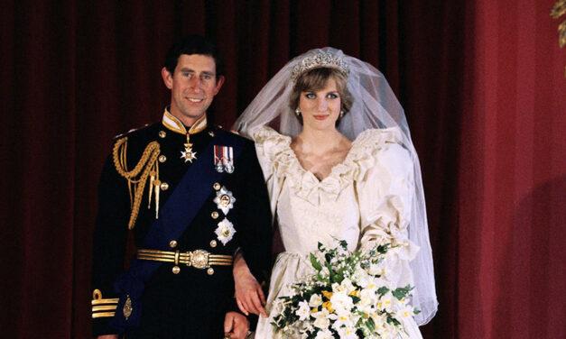 40 évvel ezelőtt volt Diana és Károly esküvője: a herceg csak a testvére unszolására csókolta meg a hercegnét